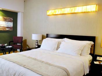 Hotel Grand Kemang - Grand Deluxe Queen Room Only Regular Plan