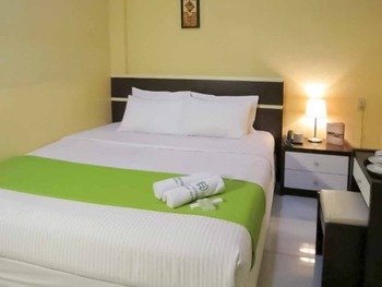 Wisma Sederhana Medan - Deluxe Suite Room Basic Deal