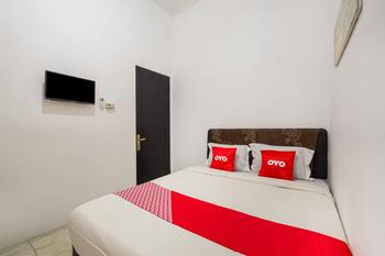 OYO 3508 Griya Aisyah Karah Syariah Surabaya - Standard Double Room Promotion