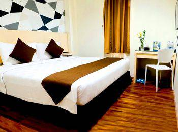 Hotel 88 Mangga Besar 120 Rumah Sakit Husada - Deluxe Double Room With Breakfast Regular Plan