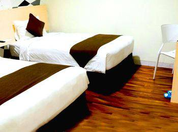 Hotel 88 Mangga Besar Jakarta - Superior Twin Room With Breakfast Regular Plan