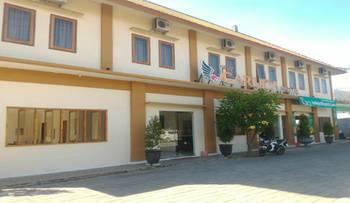 New Garuda Hotel