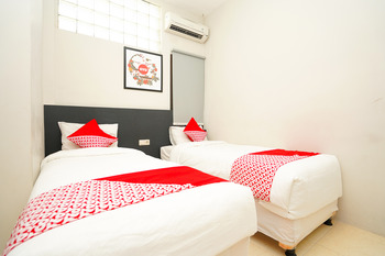 OYO 1086 2 Oscar Surabaya - Standard Twin Room Regular Plan