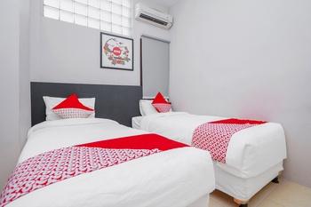 OYO 1086 2oscar Near RSUD dr. Soetomo Kota Surabaya Surabaya - Deluxe Twin Room Regular Plan