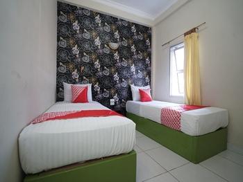 OYO 1441 Hotel Dempo Permai Lubuklinggau - Deluxe Twin Room Regular Plan
