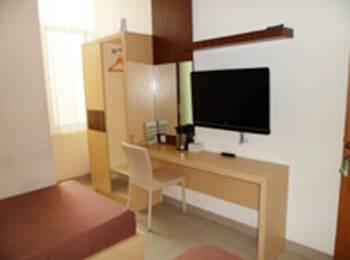 Ranez Inn Tegal - Superior Twin Room Regular Plan