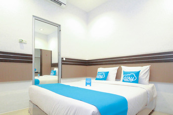 Airy Thamrin Gandhi Medan - Standard Double Room with Breakfast Regular Plan