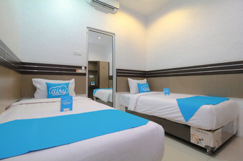 Airy Thamrin Gandhi Medan - Standard Twin Room with Breakfast Special Promo July 33