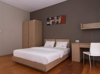 RedDoorz near Lippo Village Jakarta - RedDoorz Room Regular Plan