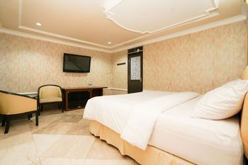 Istana Permata Dinoyo Surabaya - Standard Double Room Only Regular Plan