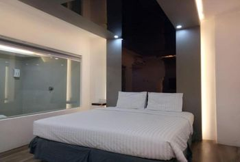 Hotel Surya Makassar - Superior Double No Window Room Only Regular Plan