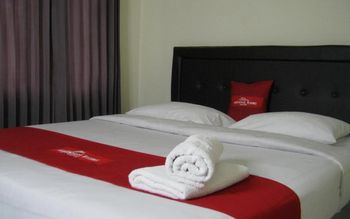 Aqilakost Rooms Bogor - Deluxe Room Only Weekday Promo 35%