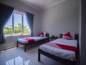 OYO 1401 Hotel Maya Kupang - Deluxe Twin Room Early Bird