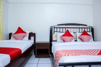 OYO 1401 Hotel Maya Kupang - Standard Family Room Last Minute