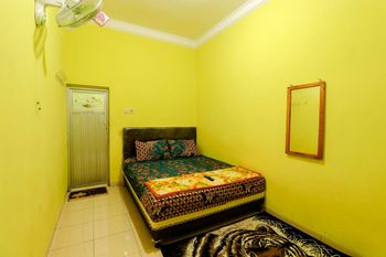 Willy Homestay Magelang - Standard Double Room Only FC MS2N 40%