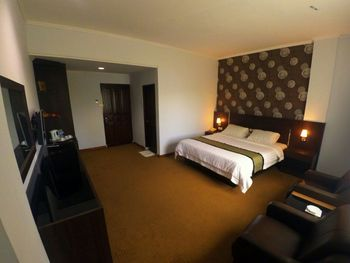 Gran Malindo Bukittinggi - Suite Room Promo Stay Hepi