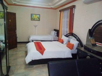Simply Homy Guesthouse Pasteur Bandung - Deluxe 4 Person Room (Check-in before 22.00) #WIDIH - Pegipegi Promotion