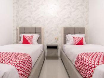 OYO 487 Gajah Mada Hotel Medan - Deluxe Twin Room Regular Plan