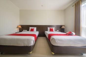 RedDoorz Premium @ Raya Bojonegoro Bojonegoro - RedDoorz Twin Room Last Minute Promotion