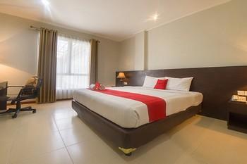 RedDoorz Premium @ Raya Bojonegoro Bojonegoro - RedDoorz SALE 99K Regular Plan