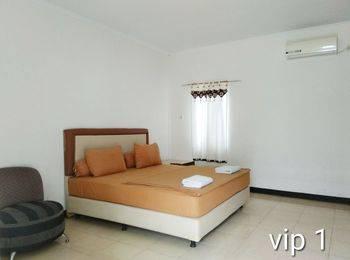 Liberty Homestay Pekanbaru - VIP Room Regular Plan