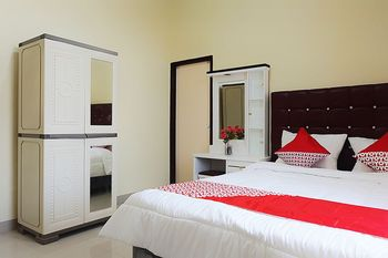 OYO 1126 Trio R Kost Jambi - Standard Double Room Regular Plan