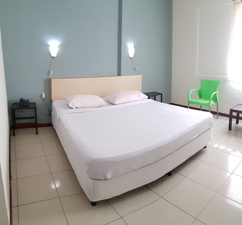 Jambi Raya Hotel Jambi - Standard Double Room With Breakfast Regular Plan