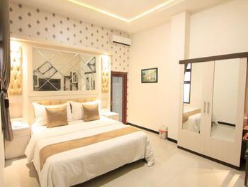 Hotel YNO Castle Malang - Deluxe Room Regular Plan