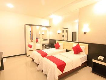 Hotel YNO Castle Malang - Superior Twin Regular Plan