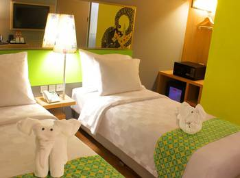 Pesonna Hotel Pekalongan - Deluxe Twin Bed - with Breakfast Regular Plan