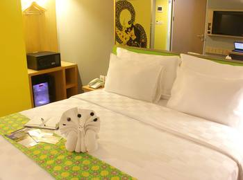 Pesonna Hotel Pekalongan - Deluxe Double Bed - with Breakfast Regular Plan