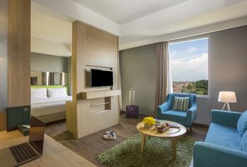 Pesonna Hotel Pekalongan - Suite Room Regular Plan