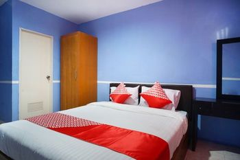 OYO 1272 Grand Garuda Guest House Balikpapan - Standard Double Room Regular Plan