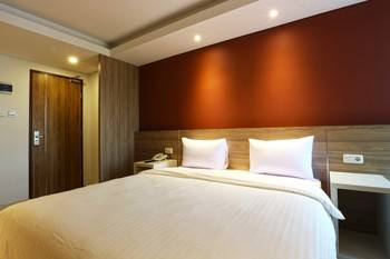 Kampioen Bed & Breakfast Bandung - Deluxe Room Regular Plan