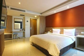 Kampioen Bed & Breakfast Bandung - Deluxe Room Room Only Stay More, Pay Less