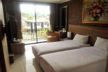 Ciwidey Valley Resort Hot Spring Waterpark Bandung - Superior Room Regular Plan
