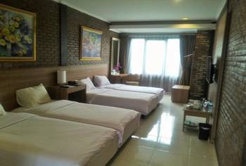 Ciwidey Valley Resort Hot Spring Waterpark Bandung - Deluxe Room Regular Plan