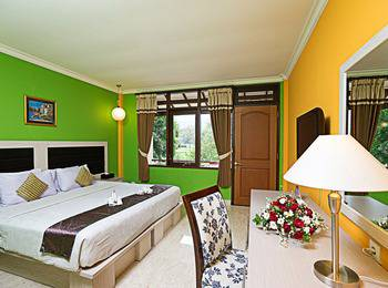 Royal Orchids Garden Hotel Malang - Deluxe Room HOT DEAL