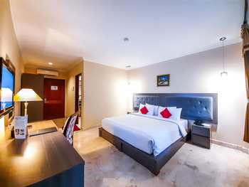 Royal Orchids Garden Hotel Malang - Deluxe Room Basic Deal
