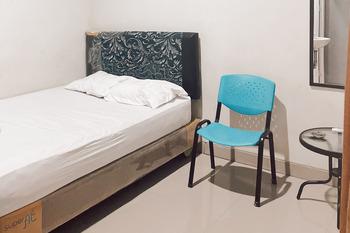 Almira Homestay Ambon Ambon - Superior Room Best Deal