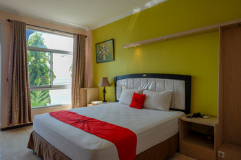 RedDoorz Plus Syariah @ Hotel Boulevard Luwuk Banggai - RedDoorz Suite Room Regular Plan