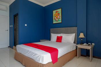 RedDoorz Plus Syariah @ Hotel Boulevard Luwuk Banggai - RedDoorz Premium Room Regular Plan