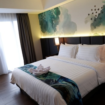 Horison Ultima Bhuvana Ciawi Bogor - Deluxe Queen Room EB 14 Day Min Stay 1