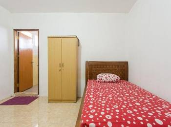 Sentosa 76 Guest House Balikpapan - Superior Single Room with Fan Regular Plan