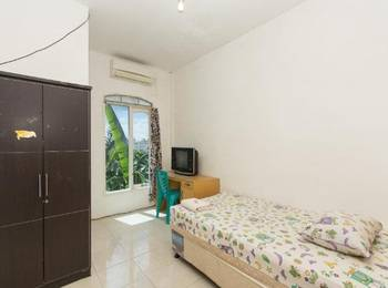 Sentosa 76 Guest House Balikpapan - Superior Single Room Regular Plan