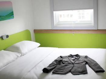 Ibis Budget Bandung Asia Afrika Bandung - Standard Queen Room Only Regular Plan