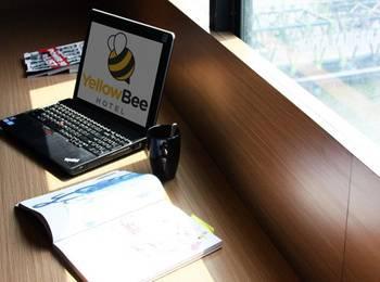 Yellow Bee Hotel Tangerang - Executive Rooom Bee Buzz 20%