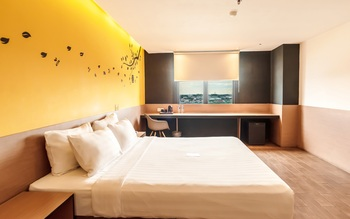 Yellow Bee Tangerang Tangerang - Executive King Room Regular Plan