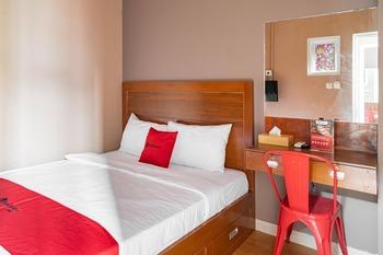 RedDoorz Hostel near LTC Glodok Jakarta - RedDoorz Room Regular Plan