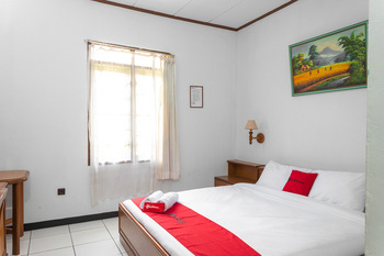 RedDoorz @ Hotel Damanaka Pangalengan Bandung - RedDoorz Room Gajian